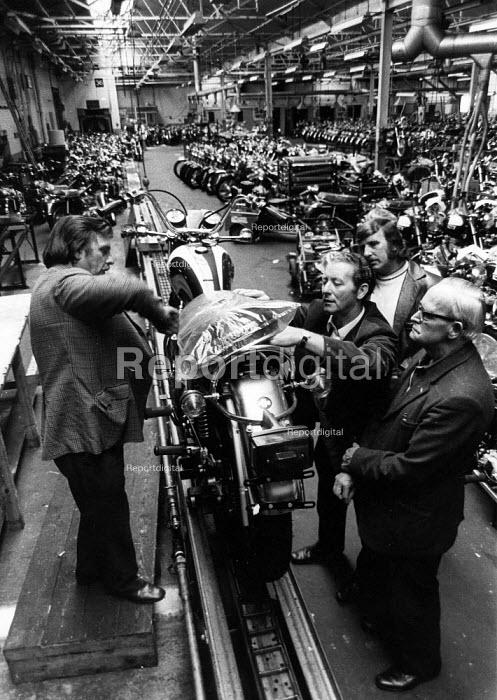Triumph Meriden Motorcycle Cooperative - John Sturrock - 1974-07-19