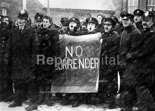Recalled FBU Conference 1978 (at end of Strike), A lobby outside against the acceptance of the pay deal. No Surrender - John Sturrock - 1978-10-01