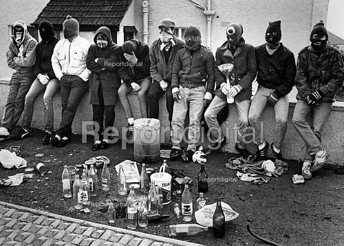 Loyalist one day strike against Anglo-Irish agreement. Youths and petrol bomb equipment in the Tyndale estate at Ballysillam. - John Sturrock - 1986-03-03