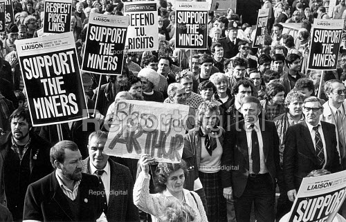 Arther Scargill and Mick McGahey NUM leading a LCDTU demonstration during the Miners Strike, in London. - John Sturrock - 1985-02-24