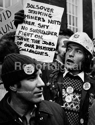 Lobby of NUM delegates by miners over strikers dismissed during the miners strike. - John Sturrock - 1985-04-19