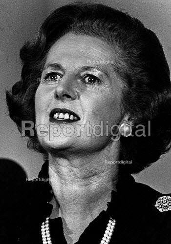 Margaret Thatcher speaking at the Conservative Party Central Council meeting, in Cardiff. - John Sturrock - 1981-03-28