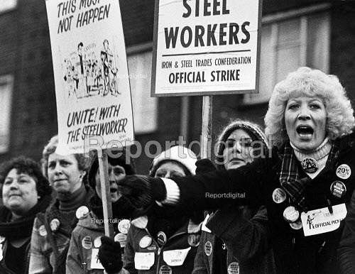 Wives of ISTC Steelworkers picketing British Steel Sheerness February 1980 - John Sturrock - 1980-02-20