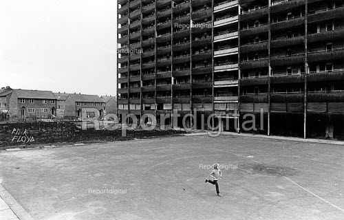 New and old housing in Everton, in September 1985. - John Sturrock - 1985-09-10