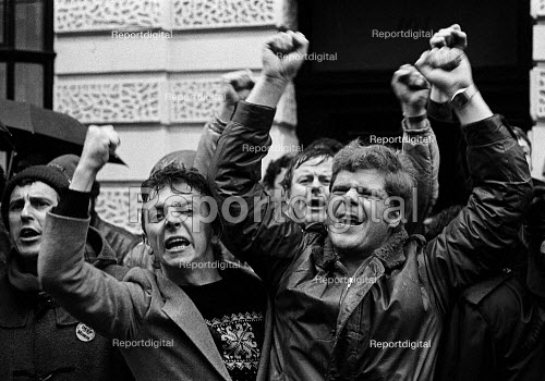 Sacked miners lobbying the special NUM Executive meeting display their anger on hearing that the year long NUM strike is to be called off. TUC London - John Sturrock - 1985-03-03