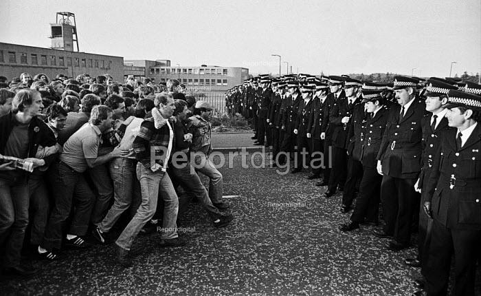 Norman Strike at the front of a mass picket, Bilston Glen mine, Scotland, Miners Strike. - John Sturrock - 1984-07-24