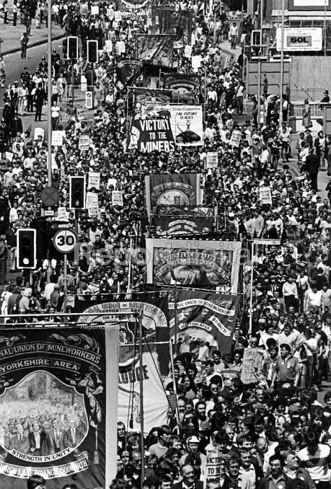 Demonstration of miners in Mansfield, Nottinghamshire. - John Sturrock - 1984-05-07
