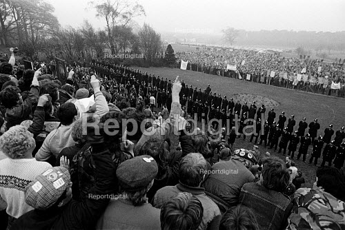 1000 striking miners opposite 7,000 at the Nottinghamshire NUM Working Miners Rally - Nottinghamshire miners given the day off by the NCB to lobby against the strike, Berry Hill Park, Mansfield - John Sturrock - 1984-05-01
