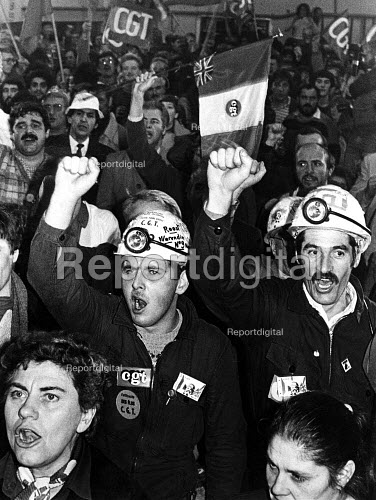 French CGT miners at Snowdon welfareminers strike 1984, solidarity with the NUM, Kent. - John Sturrock - 1984-10-13