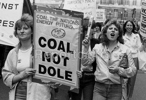 Womens National protest in support of he Miners Strike, Barnsley, Yorkshire - John Smith - 1984-05-12
