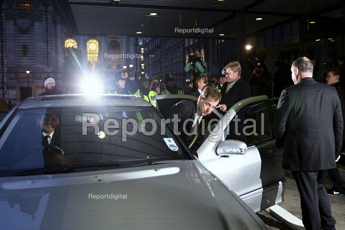 Alistair Campbell getting into his car after giving evidence to The Iraq Inquiry. Queen Elizabeth II Conference Centre, London. - Justin Tallis - 2010-01-12