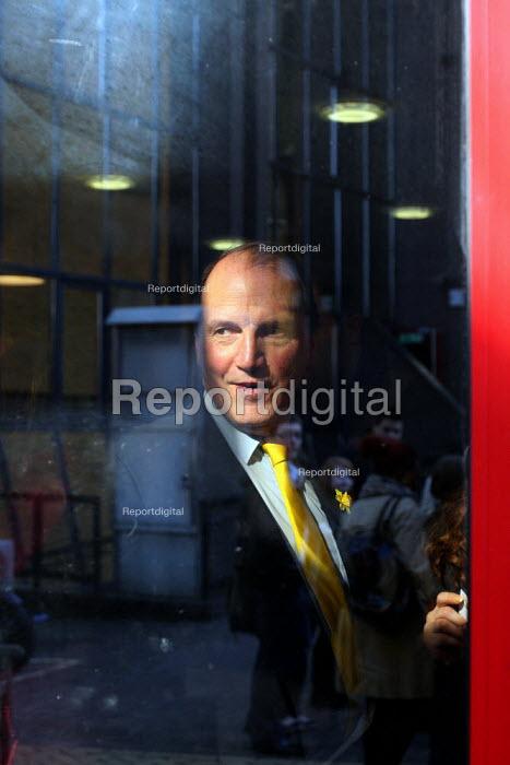 Simon Hughes MP. London. - Justin Tallis - 2010-03-01