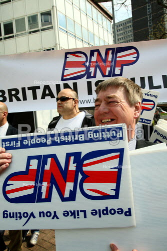 British National Party anti immigration protest outside the Home Office UK border agency building in Croydon. - Justin Tallis - 2010-04-15