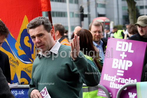 Mark Serwotka, PCS Gen Sec and PCS members protest against a British National Party anti immigration protest outside the Home Office UK border agency building, Croydon - Justin Tallis - 2010-04-15