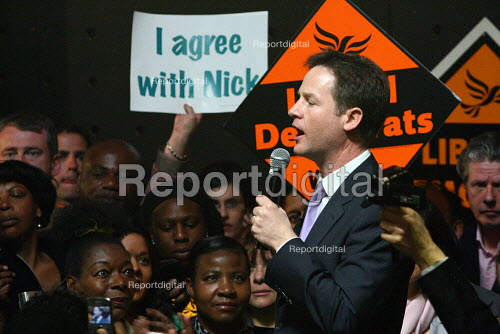 Nick Clegg giving a speech at a campaign event in Streatham, South London. - Justin Tallis - 2010-05-03