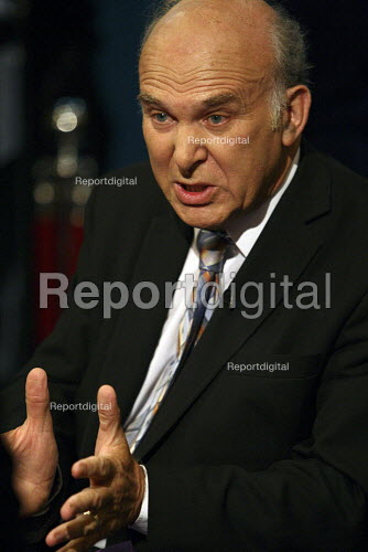 Vince Cable at the 2010 Liberal Democrat conference. Liverpool. - Justin Tallis - 2010-09-19