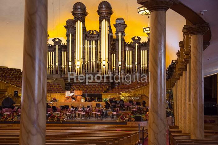 Salt Lake City, Utah - The Mormon Tabernacle, home of the Mormon Tabernacle Choir. - Jim West - 2014-11-14