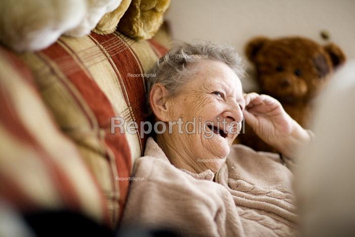 Elderly resident at a retirement home. - Paul Box - 2009-07-30