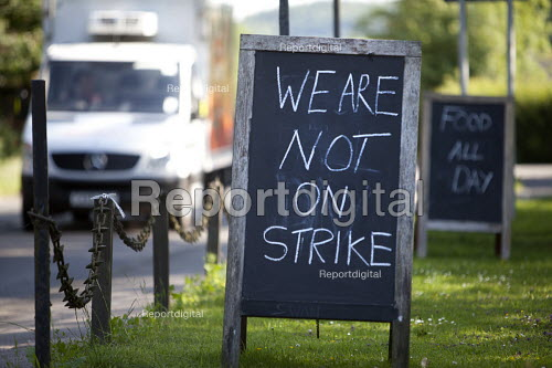 We're not on strike sign at a pub in Salisbury. - Paul Box - 2011-07-03