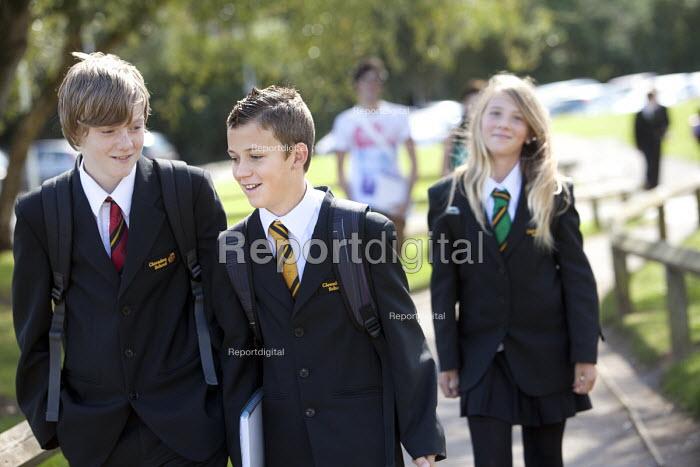 Pupils arriving at Clevedon school, Clevedon - Paul Box - 2011-09-14