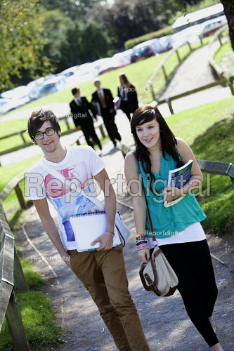Sixth form students walking to school, Clevedon school, Clevedon - Paul Box - 2011-09-14