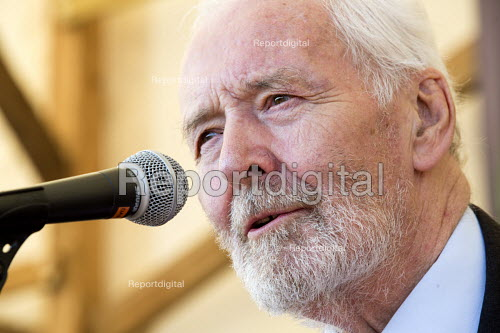 Tony Benn speaking at The Tolpuddle Martyrs Festival. Tolpuddle - Paul Box - 2013-07-21