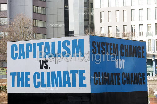 Capitalism verses The climate Climate change Billboard, the Bearpit, Bristol, European Green Capital - Paul Box - 2015-02-03
