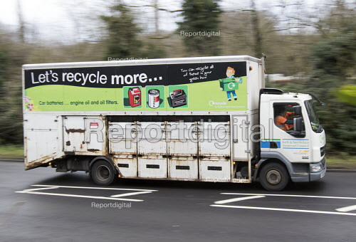 Household Waste Recycling refuse single pass collection vehicle Bristol. Materials are sorted at the kerbside into containers on the vehicle. - Paul Box - 2014-12-17