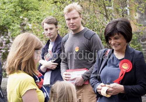 Thangam Debbonaire talks to the public. Young Labour supporters canvas in the ward of West Bristol for the labour candidate Thangam Debbonaire. This is a very closely fought seat. - Paul Box - 2015-05-04