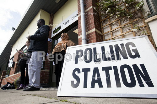 A polling station in Easton, Bristol - Paul Box - 2015-05-07