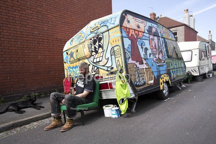Travellers camp up in residential street, Littleton street, Easton, Bristol - Paul Box - 2015-05-07
