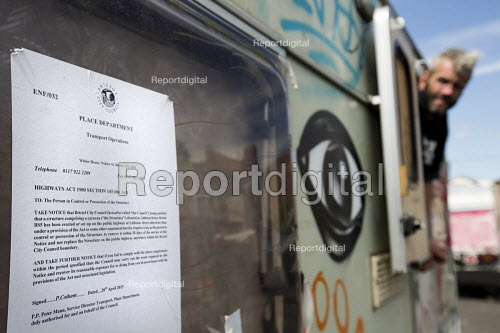 Council eviction notice. Travellers camp up in residential street, Littleton street, Easton, Bristol - Paul Box - 2015-05-07