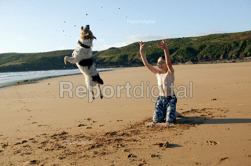 Playing on the beach, Freshwater West Pembrokeshire - Paul Box - 2007-07-15