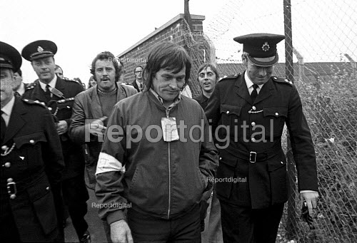 Dock strike 1972. Tony Merrick, Conny Clancy and Derek Watkins were arrested while picketing Midland Cold Store, East London for for contempt of court for picketing after the Vestey Group obtained an injunction. - Peter Arkell - 1972-07-21