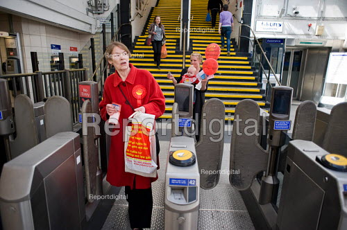 Labour MP Glenda Jackson at Kilburn tube station on her way back to her local campaign office during the 2010 General Election campaign in the newly created marginal constituency of Hampstead and Kilburn. - Philip Wolmuth - 2010-04-17