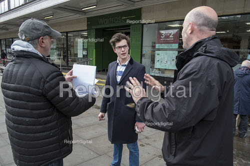 Conservative candidate Simon Marcus talks to a young supporter in Hampstead and Kilburn, the second most marginal constituency in the UK, held by Labour with a majority of 42 at the 2010 general election. - Philip Wolmuth - 2015-04-25
