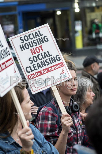 Social Housing Not Social Cleansing. Residents of Cressingham Gardens Estate in Brixton, London, demonstrate outside Lambeth Town Hall over council plans to demolish their homes and build new housing which they believe will be unaffordable for existing tenants. - Philip Wolmuth - 2015-07-13