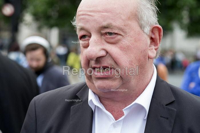Poles protest anti migrant racism Parliament Square London Polish prince John Zylinski media interview - Philip Wolmuth - 2015-08-20