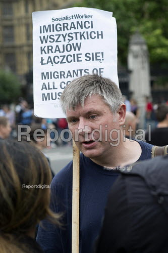 Poles protest anti migrant racism Parliament Square London - Philip Wolmuth - 2015-08-20