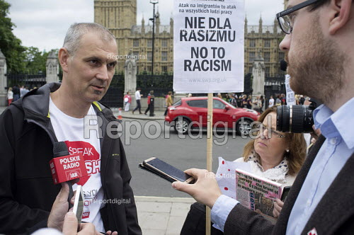 Media interviewing Poles protest anti migrant racism Parliament Square London - Philip Wolmuth - 2015-08-20