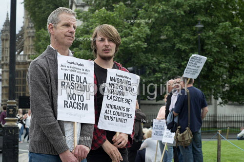 Charlie Kimber SWP Poles protest at anti-migrant racism Parliament Square London - Philip Wolmuth - 2015-08-20
