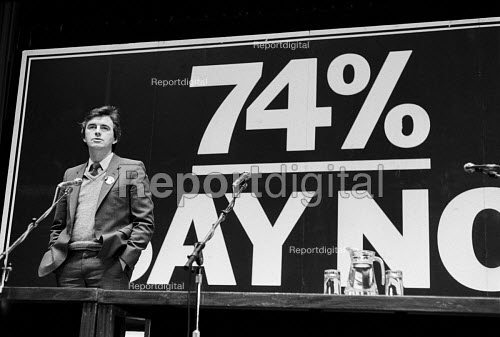 Deputy Leader of the GLC John McDonnell speaking 74% opinion poll against abolition of the GLC London 1985 - Philip Wolmuth - 1985-03-07