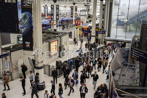Passengers pass through ticket barriers at London Waterloo Station - Philip Wolmuth - 2015-10-08