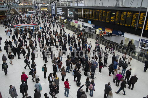 Passengers waiting for trains at London Waterloo station - Philip Wolmuth - 2015-10-08