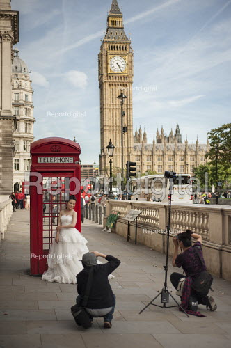 Wedding fashion model photoshoot with red phone box and Big Ben, London, Parliament Square - Philip Wolmuth - 2015-09-29