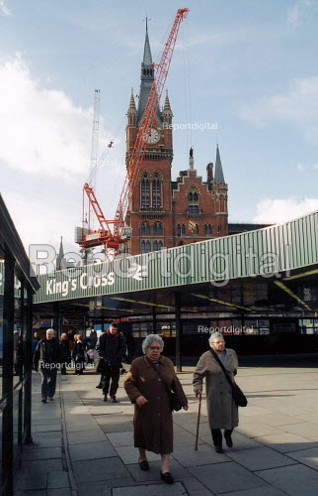 Redevelopment at Kings Cross Railway station, London for Channel Tunnel link - Joanne O'Brien - 2003-01-12