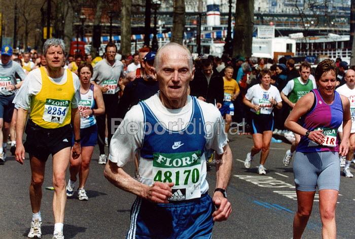 Elderly man running the London Marathon - Joanne O'Brien - 20021024