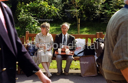 Couple having lunch at Chelsea Flower Show London - Joanne O'Brien - 20021024