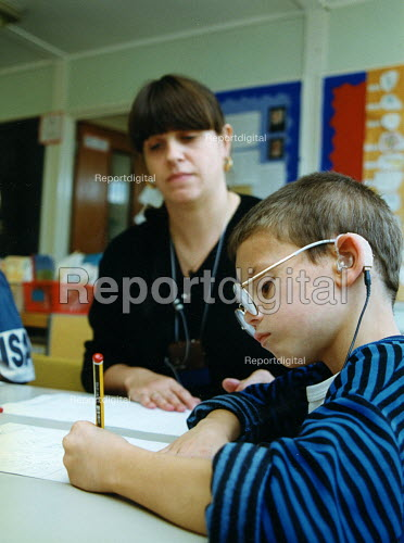 Teacher and pupil at integrated primary school - Joanne O'Brien - 20021024