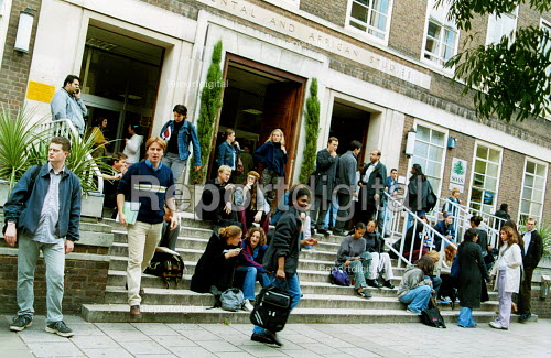 Students outside University of London (School of Oriental and African Studies) - Joanne O'Brien - 20021024